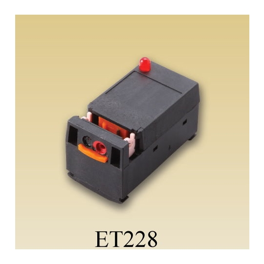 et075